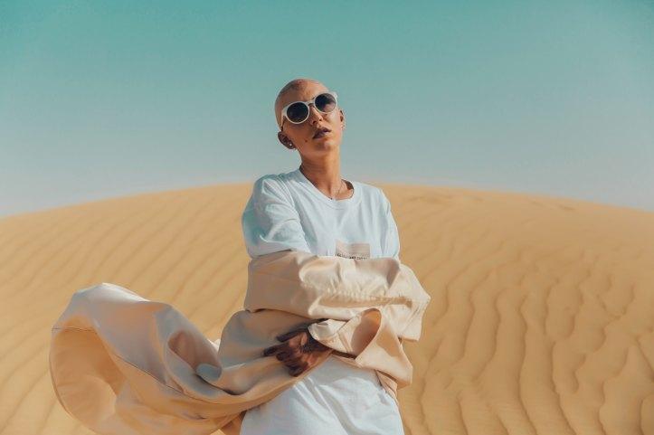 femme désert