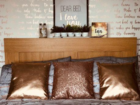 bed-bed-frame-bedroom-1591047