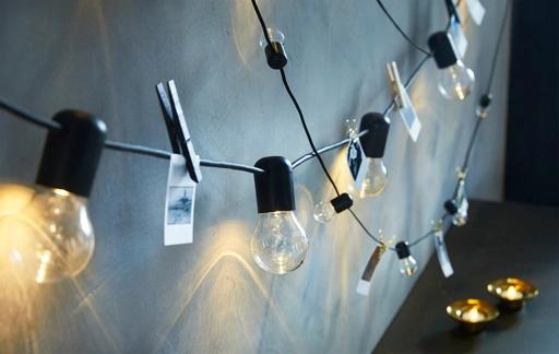 guirlandes-lumineuses-BLOTSNO-SVARTRA-noires-IKEA__201924_idlg01a_01_rf_PH156312