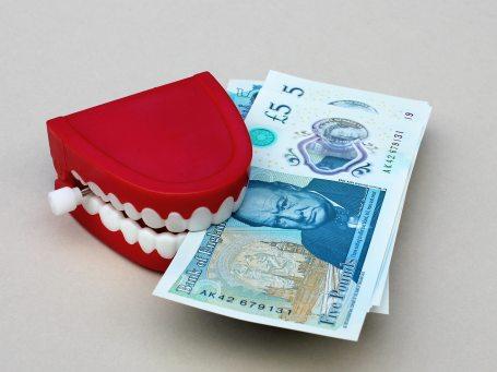 banking-bills-british-210586.jpg