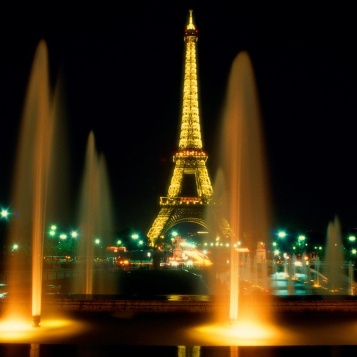 Eiffel_Paris_Night-wallpaper-9816032